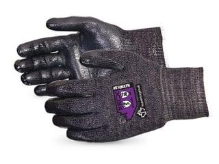 Guantes Superior Glove para vidrio Emerald CX resistentes al corte con espuma de nitrilo